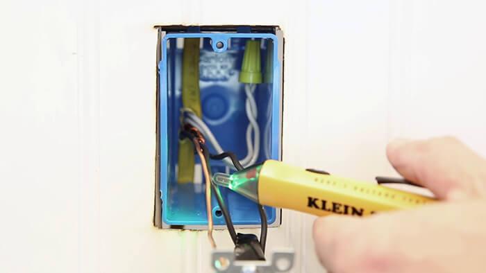 تشخیص سیم فاز و نول با استفاده از فازمتر