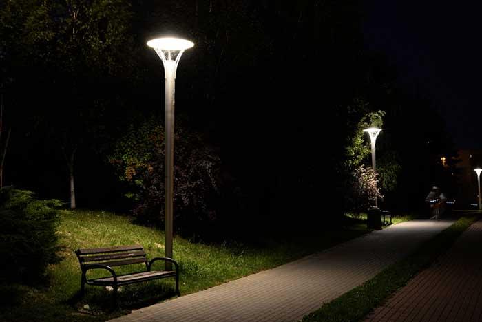مزایای استفاده از چراغ پارکی
