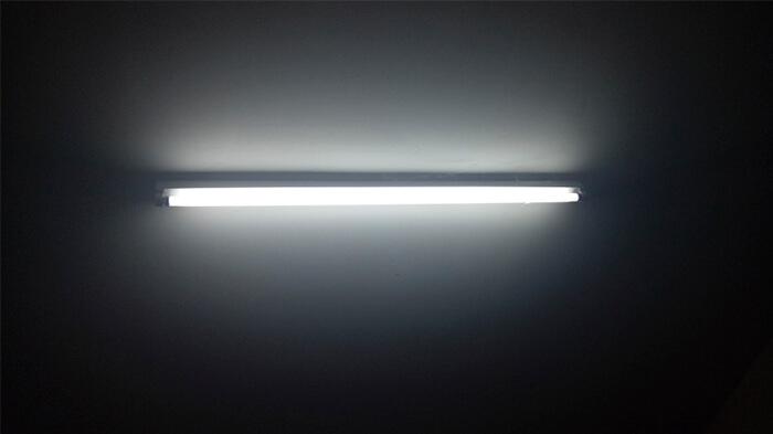 لامپ فلورسنت